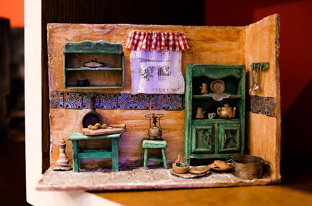 Mısırlı minyatür eşya sanatçısının 'küçük dünyası'