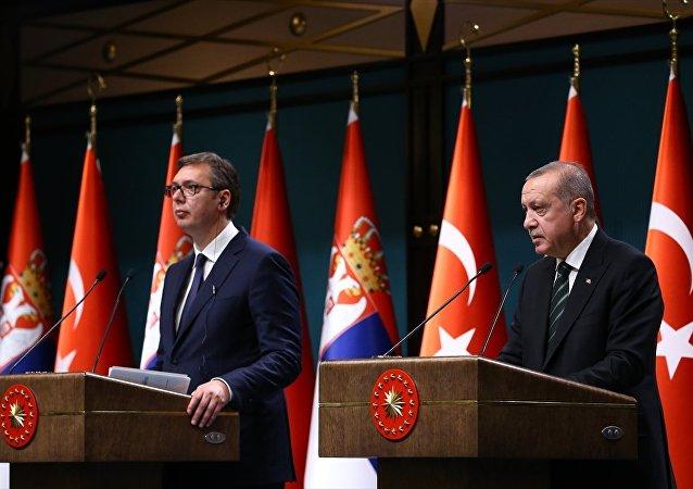 Cumhurbaşkanı Recep Tayyip Erdoğan ile Sırbistan Cumhurbaşkanı Aleksandar Vucic, Cumhurbaşkanlığı Külliyesi'nde ortak basın toplantısı düzenledi.