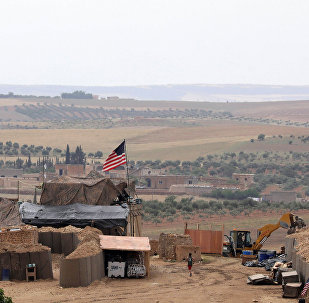 ABD ve Fransız askerlerinin DSG güçleri ile Türkiye destekli ÖSO güçleri arasındaki cephede devriye gezdiğini söyleyen Derviş  Türkiye'nin Afrin'e saldırısından ve Türkiye'nin Menbiç'e yönelik tehditlerinin artmasından sonra koalisyon güçleri sınırı korumak ve izlemek için üssü kurdu dedi.