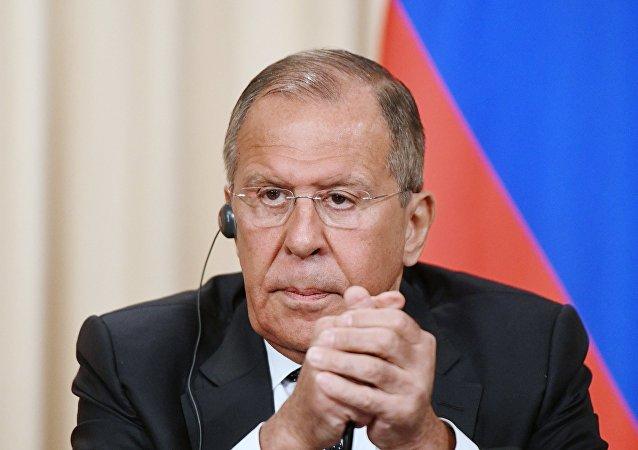 Lavrov: Tutuklu Ukraynalı mürettebatın akıbeti mahkemeden sonra belli olacak 26