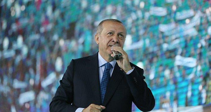 Cumhurbaşkanı ve AK Parti Genel Başkanı Recep Tayyip Erdoğan, Ankara Spor Salonu'nda AK Parti Genel Merkez Gençlik Kolları Kongresi'ne katılarak konuşma yaptı.