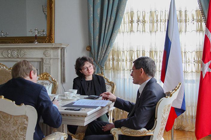 Rusya Federasyonu İstanbul Başkonsolosu Andrey Podyelışev ile söyleşiden bir kare...