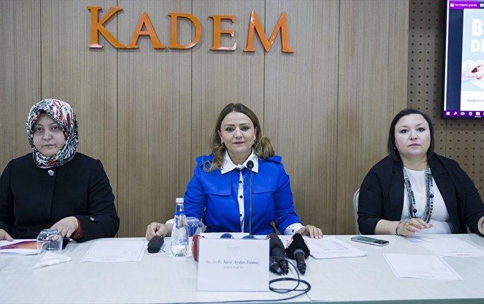 Her 3 kadından 1'i kadın adaya oy verebilir