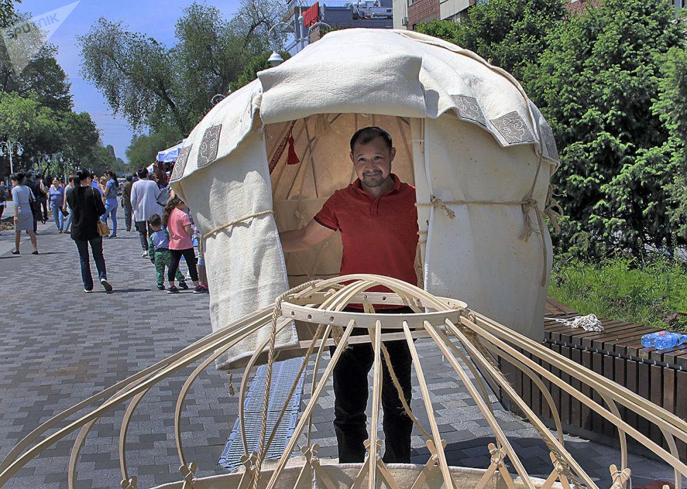 Kazakistan'da geleneksel çadır festivali