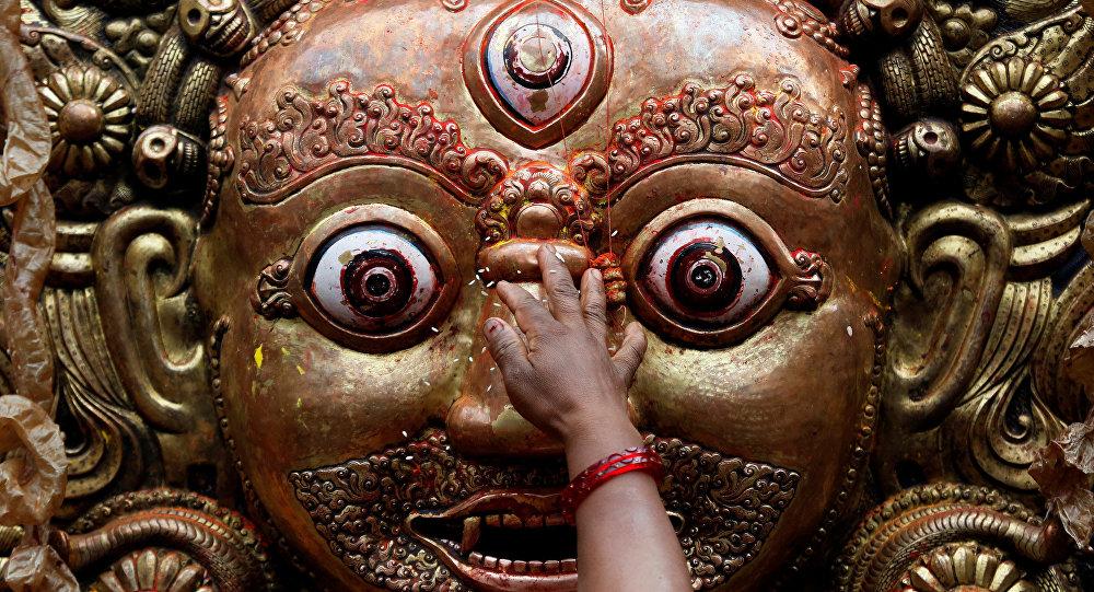 Hindu tapınaklarında hayvan kurban edilmesi yasaklanıyor