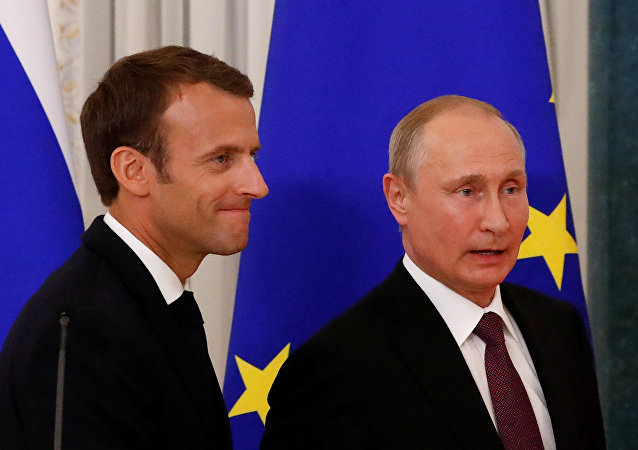 Emmanuel Macron-Vladimir Putin