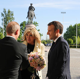 Vladimir Putin, Emmanuel Macron , Brigitte Macron, St. Petersburg
