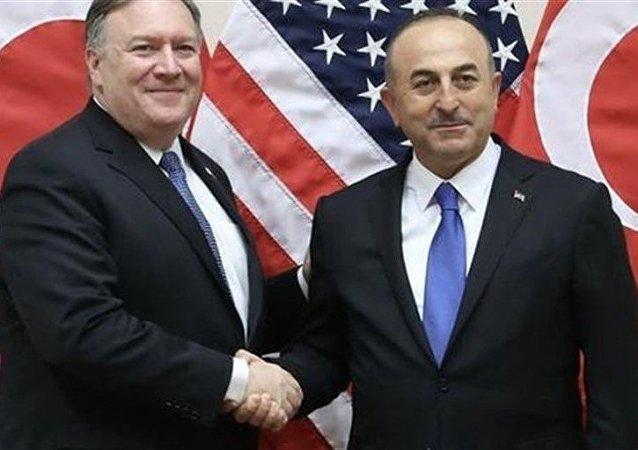ABD Dışişleri Bakanı Mike Pompeo ve Türkiye Dışişleri Bakanı Mevlüt Çavuşoğlu