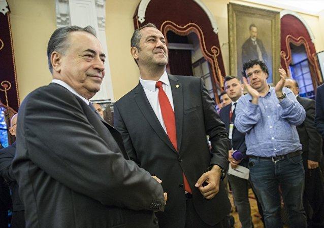 Galatasaray'da başkan değişmedi: Mustafa Cengiz yeniden seçildi