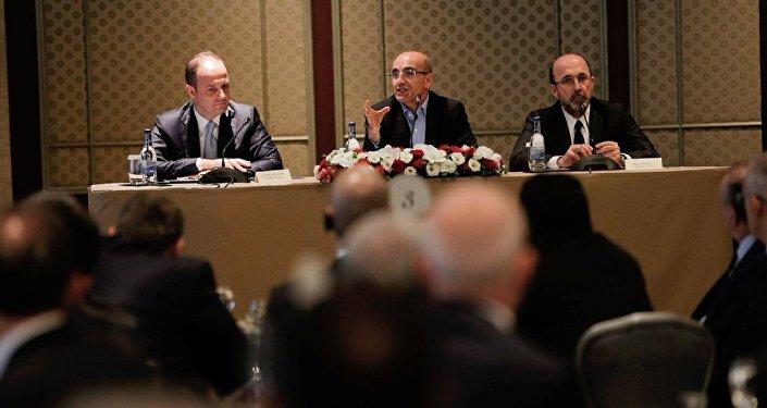 Mehmet Şimşek ve Murat Çetinkaya Londra'da