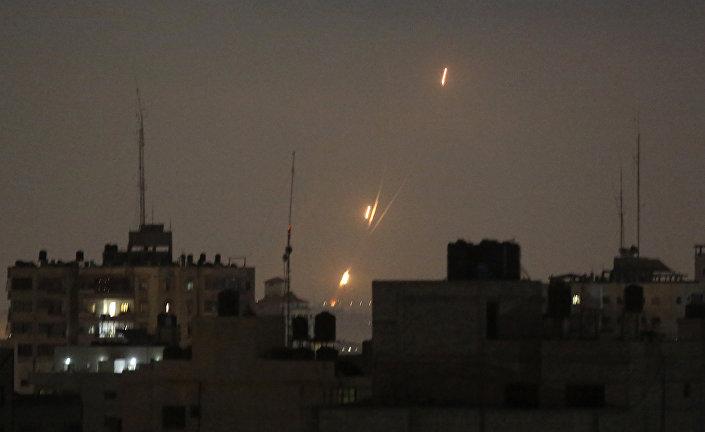 Gazze'den gece boyunca İsrail'e atılan roketler