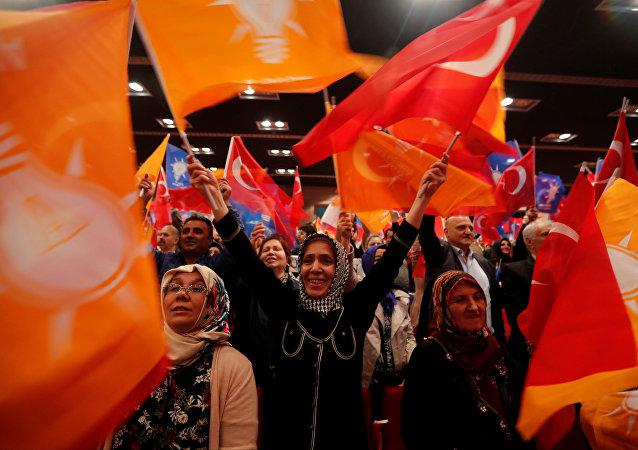 AK Parti, seçmen