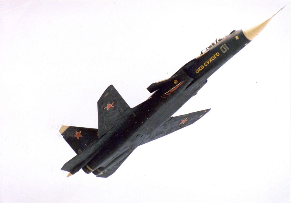 Berkut Su-47 avcı uçağı