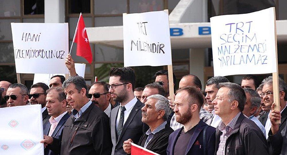 TRT çalışanlarından protesto: Şiddete karşıyız, tarafsız yayınız