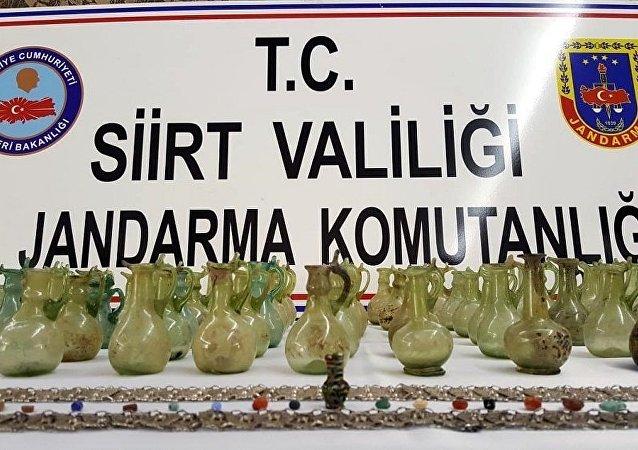 4 bin yıllık gözyaşı şişeleri