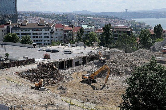 AKM'nin yıkımına şubat ayında başlanmıştı.