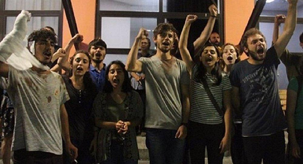 Kadıköy darp edilen lise öğrencileri