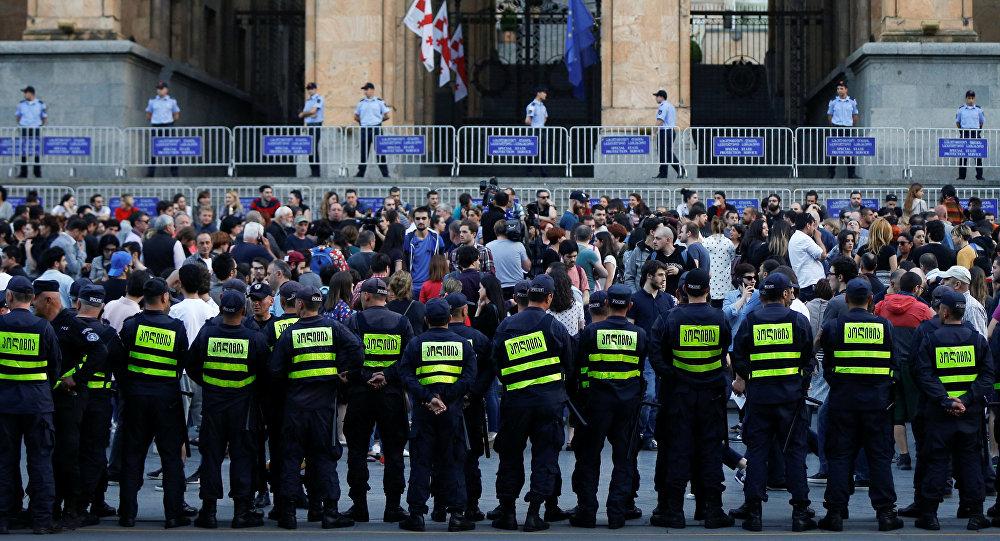 Tiflis'te düzenlenen protestolar