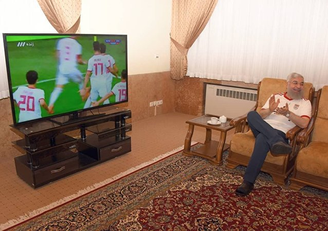 İran Cumhurbaşkanı Hasan Ruhani 2018 Dünya Kupası'nın 2. gününde yapılan İran-Fas karşılaşmasını izliyor