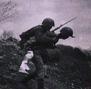 Rusya'da 77 yıl önce başlayan Büyük Vatanseverlik Savaşı'nda ölenler anılıyor