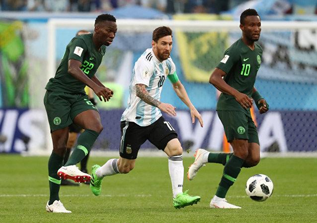 2018 FIFA Dünya Kupası'nda Nijerya-Arjantin maçı, Kenneth Omeruo ile John Obi Mikel'den Lionel Messi'ye markaj