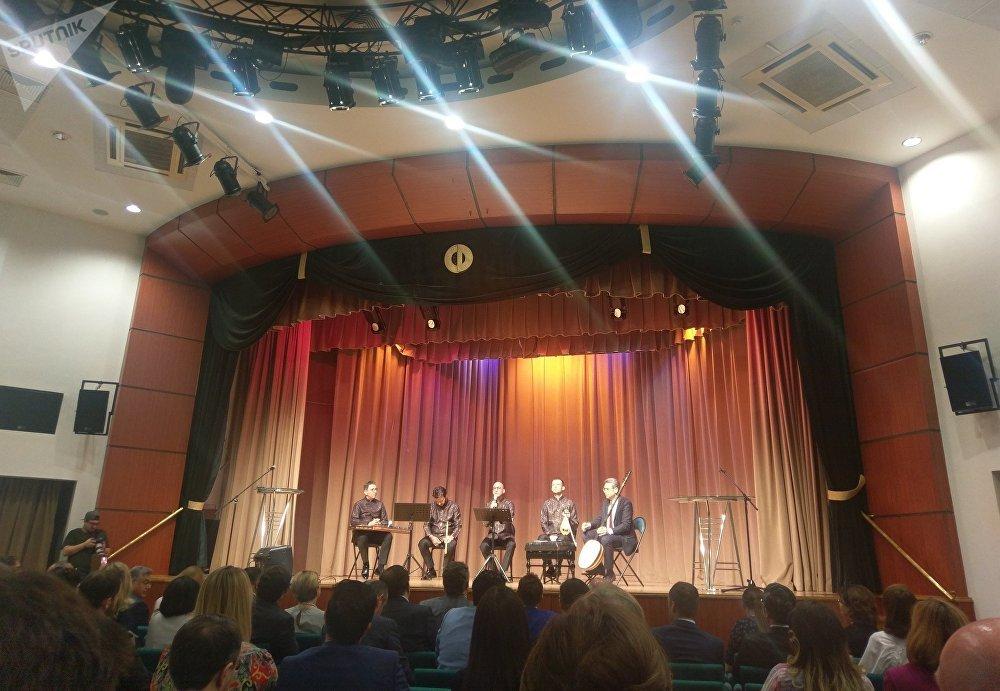 Rus-Türk Dostluk Akşamı'nda Türk sanatçıların performansı