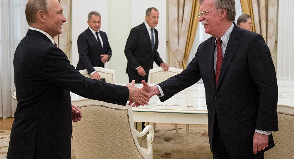 Kremlin'deki Putin-Bolton görüşmesi