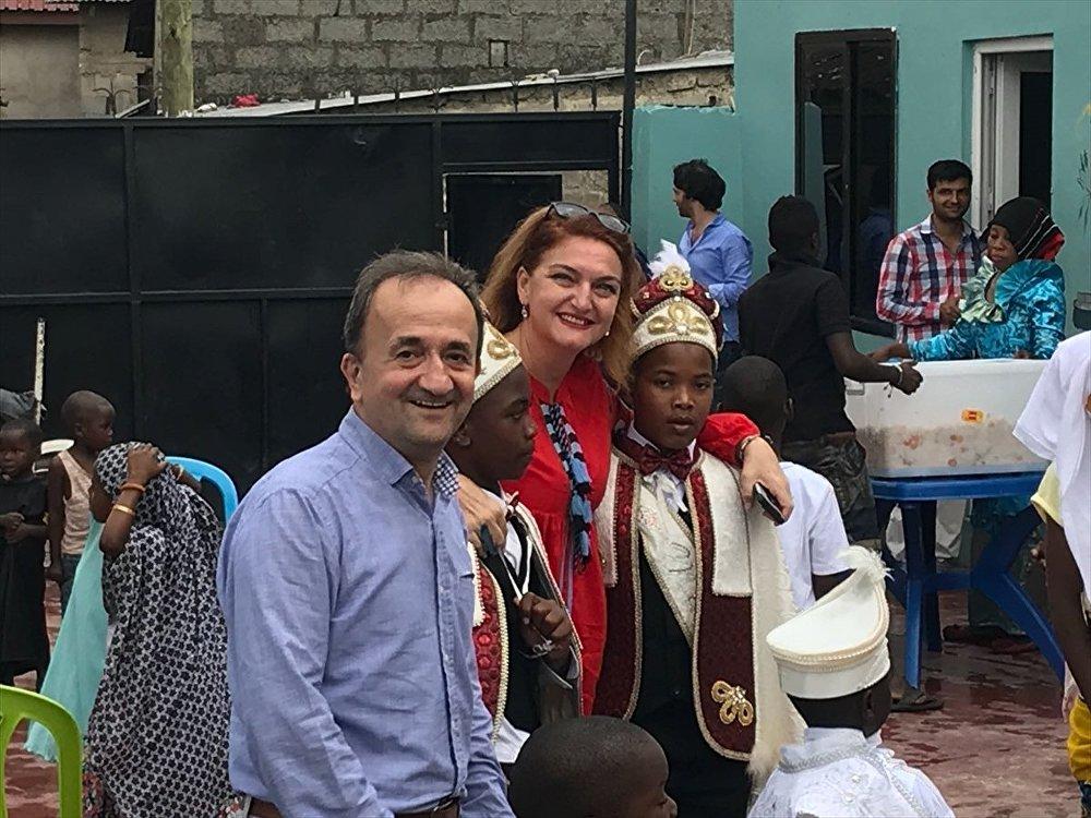 Tanzanya'da Türk usulü sünnet düğünü