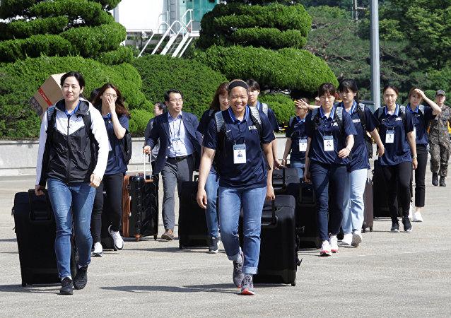 Kuzey Kore'ye giden Güney Kore Kadın Basketbol Takımı