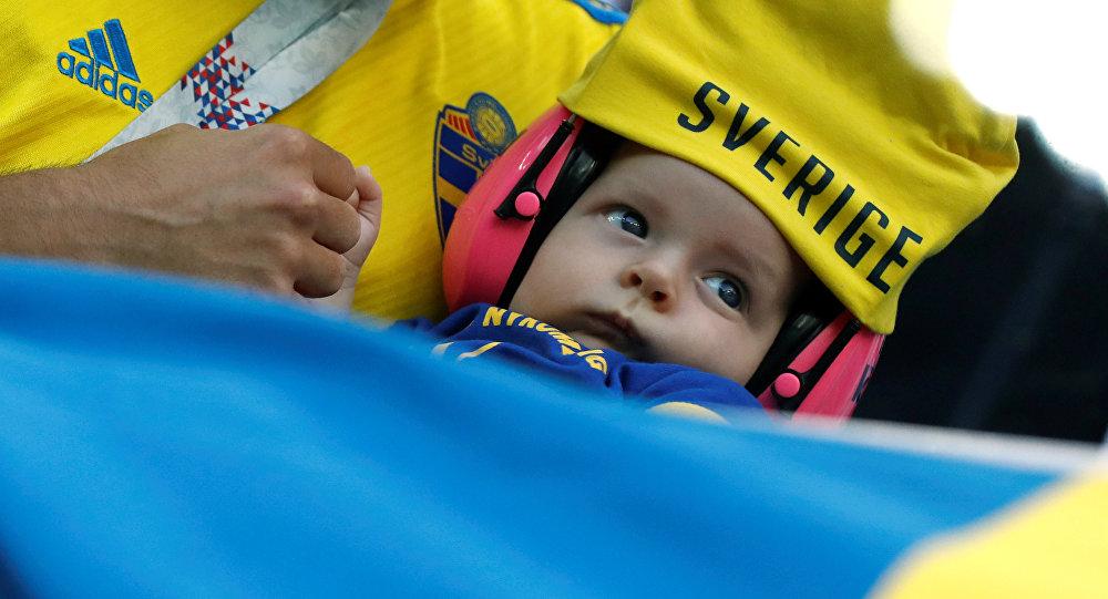 2018 FIFA Dünya Kupası, son 16, İsveç-İsviçre maçında bebek taraftar