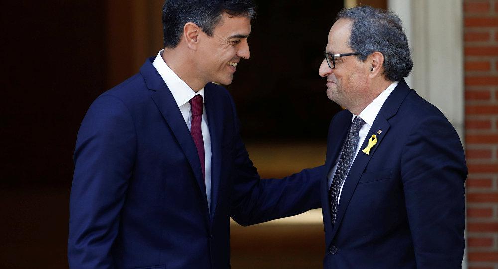 İspanya Başbakanı Pedro Sanchez ve bağımsızlık yanlısı Katalan lider Quim Torra