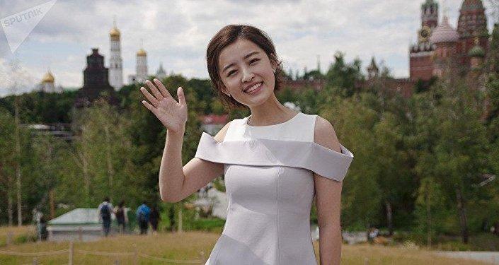 Çin'in güzel sunucusu Rusya Dünya Kupası'yla ilgili izlenimlerini paylaştı