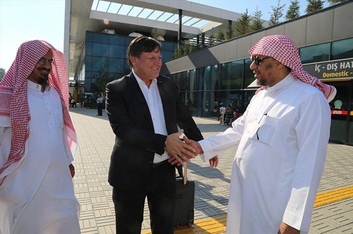 Ordu İl Kültür ve Turizm Müdürü Uğur Toparlak, Suudi Arabistan'dan gelen yaklaşık 300 kişilik turist kafilesini karşıladı.