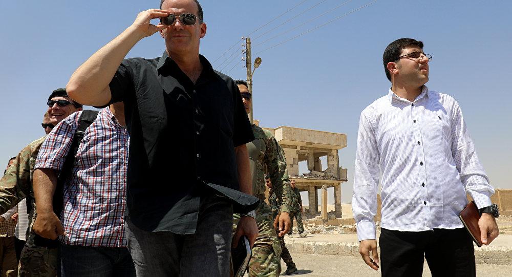 Trump'ın özel temsilcisi YPG'yi ziyaret etti daha çok silah sözü verdi