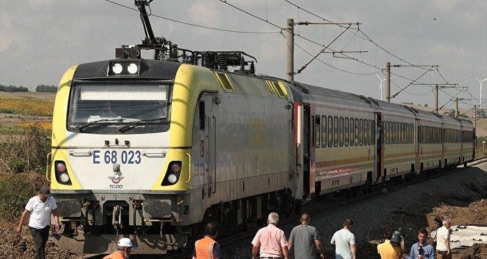 24 kişinin öldüğü tren kazasının yaşandığı hatta seferlere başlandı