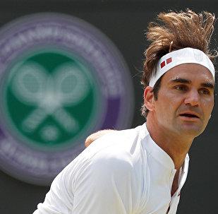 2018 Wimbledon çeyrek finalinde Kevin Anderson'la karşılaşan Roger Federer