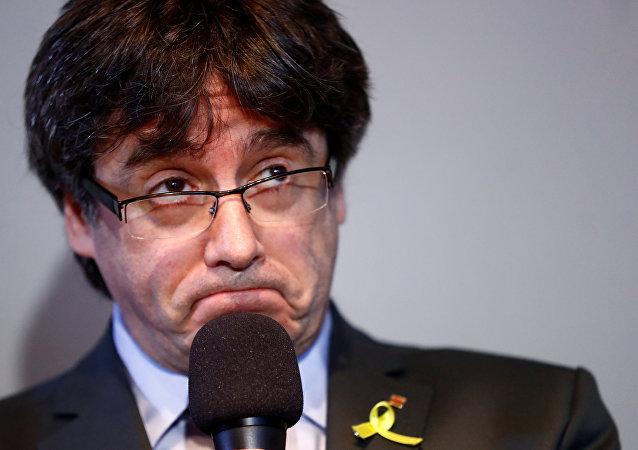 Eski Katalonya Başkanı Carles Puigdemont