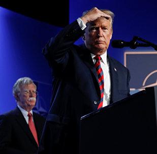 12 Temmuz 2018'de NATO zirvesinde Bolton'un eşlik ettiği Trump'ın basın toplantısı