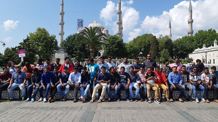 İstanbul'u ziyaret eden Hindistanlı çalışanlar