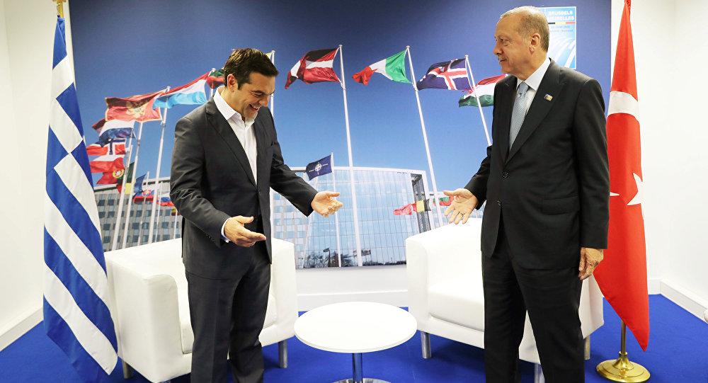 NATO zirvesinin 2. gününde Çipras-Erdoğan buluşmasında samimi pozlar verildi