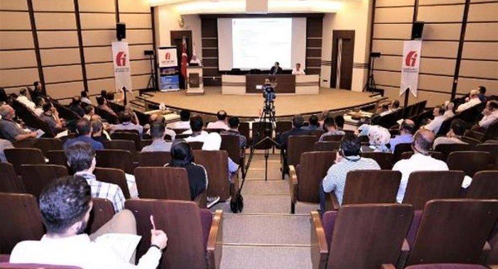 Gaziantep Ticaret Odası'nda Suriye uyruklu üyelere yönelik bilgilendirme semineri düzenlendi.
