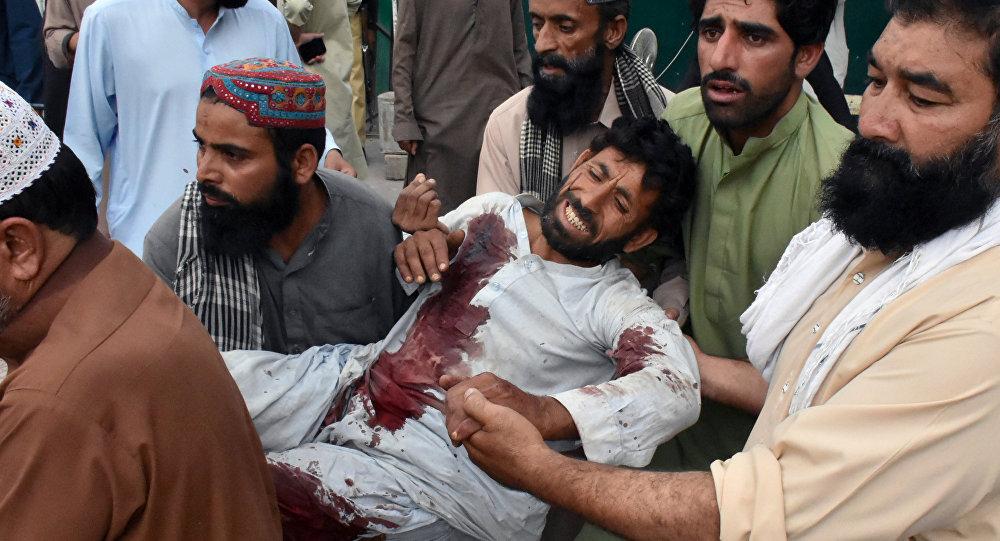 Pakistan'da yılın en kanlı saldırısı: 1 günde 132 ölü, 232 yaralı