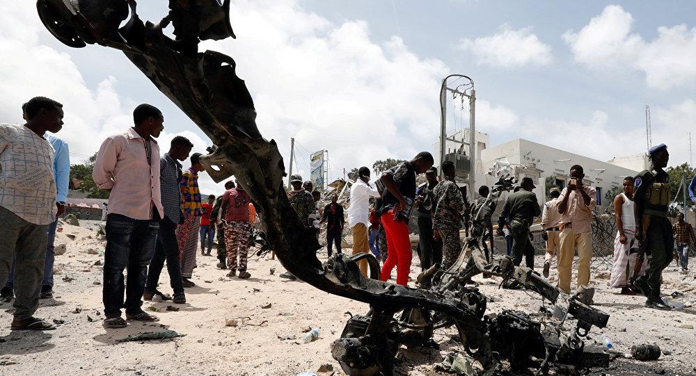 Somali'de çifte bombalı saldırı: 10'a yakın can kaybı var