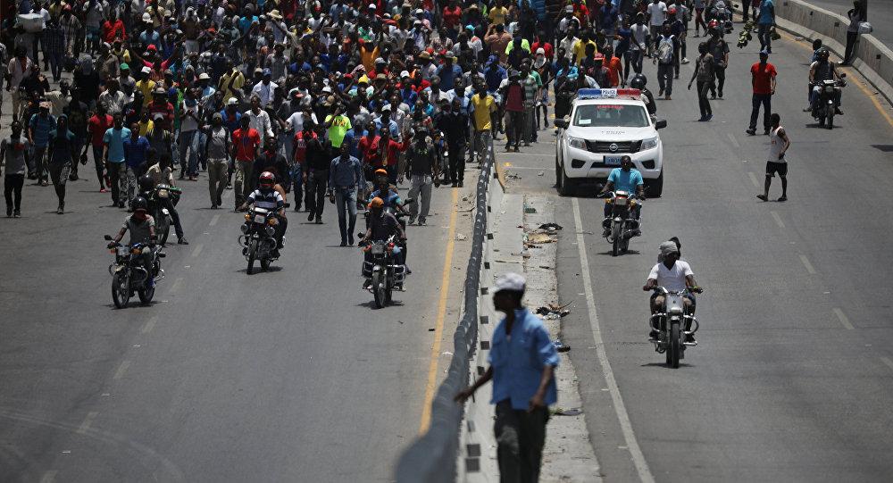Haiti'de yakıta zam planını protestolar, başbakanın istifasını getirdi