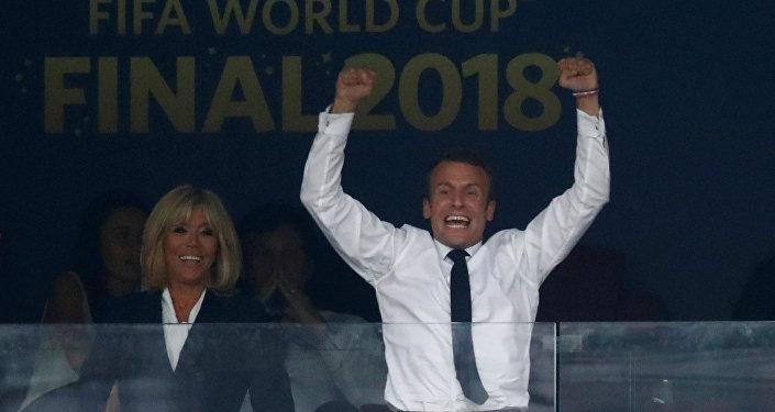 Fransa Cumhurbaşkanı Emmanuel Macron, şampiyonluğu sevinçle karşıladı
