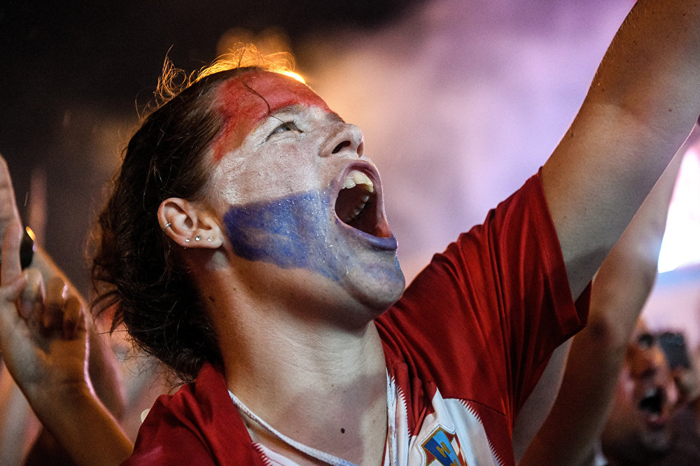 Bu arada, Hırvatistan Cumhurbaşkanı Kolinda Grabar Kitarovic'in de ilk kez finale kalıp tarihi bir başarı elde eden Hırvat futbolcular ve milli takım yetkililerine devlet madalyası takdim edeceği açıklandı.  Hırvatistan, 2018 FIFA Dünya Kupası final maçında Fransa'ya 4-2 yenilmişti.