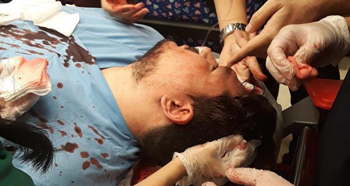Hasta yakını, doktorun kafasında kaldırım taşı kırdı - Doktor Bahattin Ahmet Yalçın