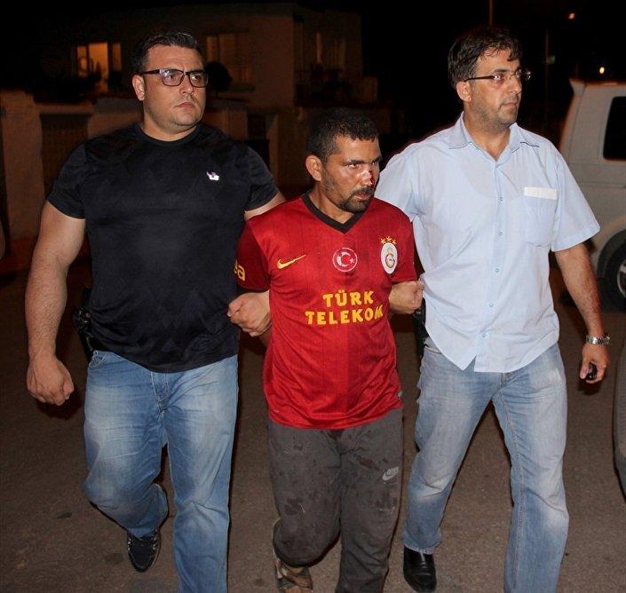 Olayın ardından kaçan Abdülbasid El M, polis ekiplerince yakalandı.