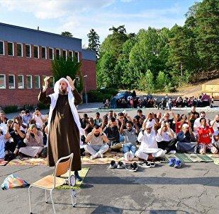 İsveç'te yaşayan Müslümanlar, uzun süredir devam eden kuraklık nedeniyle yağmur duasına çıktı