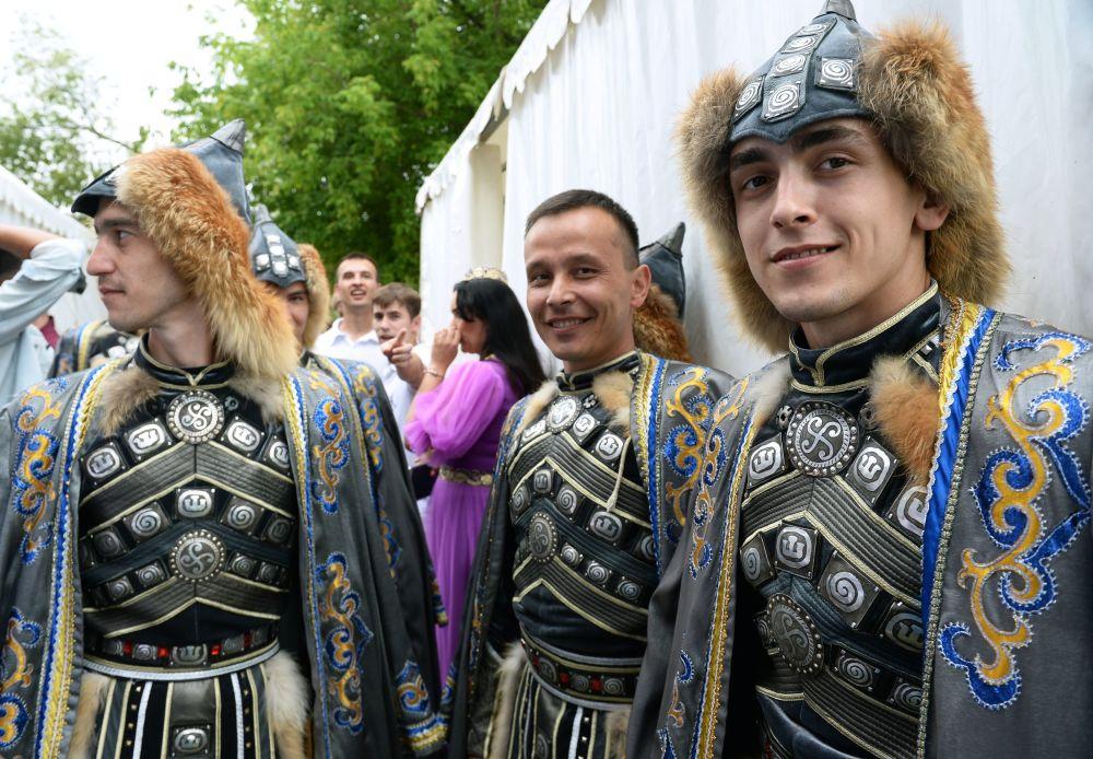 Sabantuy-2018 adlı uluslararası Tatar ve Başkurt kültürü festivali Moskova'da düzenlendi